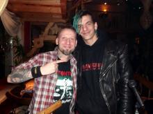 Autor Danny B Helm mit Nico B., mit dem er einst gemeinsam Punk entdecke @ Woodys, Schleiz (Homecoming, 15.12. 2.013)