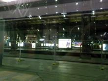 Der Blick (in den Leipziger Hauptbahnhof) aus einem Zug, der nicht fahren sollte (18.12. 2.013)