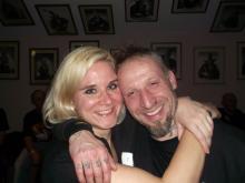 Eines der schönsten Wiedersehen auf der Tour. Betontod Fan-in Laura & Danny B Helm (unnüchtern) @ Betontod Aftershow Party, Rheinberg (20.12. 2.013)